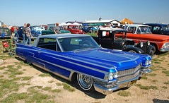 Scalloped Cady (Chad Horwedel) Tags: blue classic car illinois gray cadillac decatur scallop lowered pinstripe cady twotone airbags hunnertcarpileup 1963cadillac