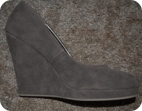 1:2 Gray Wedges