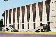ahmedabad - tagore hall 1 (Doctor Casino) Tags: architecture theater theatre architect 1962 bvdoshi balkrishnadoshi rabindranathtagorememorialhall