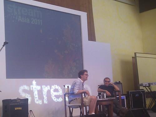 Thomas Crampton interviewing Sir Martin Sorrell on stage #streamasia