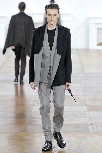 Douglas Neitzke3290_FW11_Paris_Dior Homme(VOGUEcom)