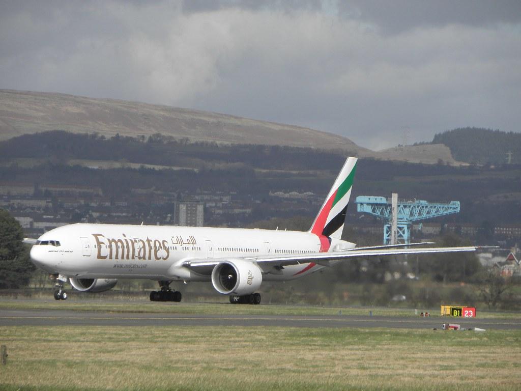 Emirates A6-ECW