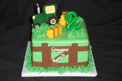 "Tractor Birthday cake • <a style=""font-size:0.8em;"" href=""http://www.flickr.com/photos/60584691@N02/5543287771/"" target=""_blank"">View on Flickr</a>"