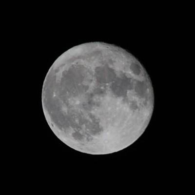 スーパームーン翌日の満月