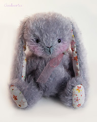 Lavande (Meko) Tags: flowers cute rabbit bunny fleurs toy spring purple handmade plush mohair teddybear mauve printemps lapin peluche nounours artistbear collectablebear oursdecollection oursdartiste