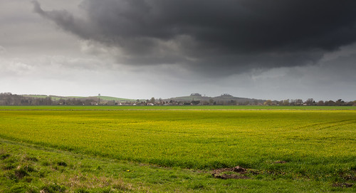 storm cloud over wittenham clumps