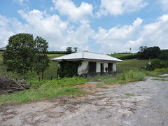 OLD GAS STATION (SneakinDeacon) Tags: servicestation swva route52 bland abandonded