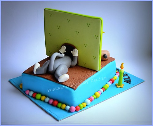 Tom and Jerry Cake (Back)