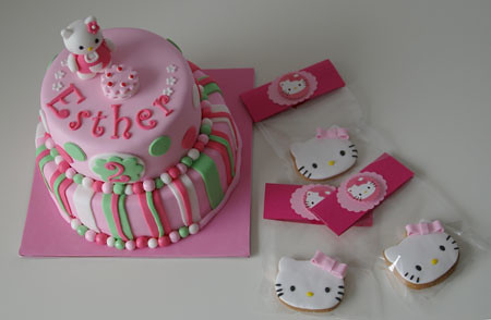 Tarta y galletas hello Kitty fondant