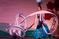 White Sleeve Dance -  (Pic_Joy) Tags: costumes dance singapore asia chinese arts culture chinesenewyear dancer  tradition tangdynasty       huayi theesplanade        chinesetraditionaldance chinesefestivalofarts whitesleevedance   watersleeve  watersleevedance shaanxisongdancetroupe