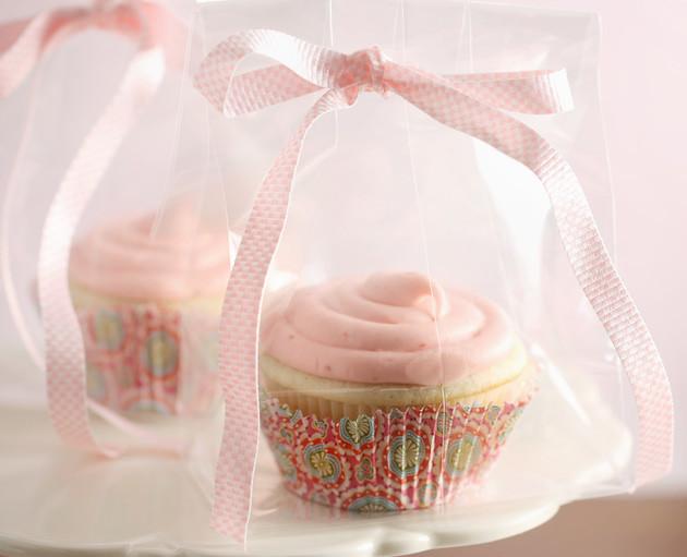 vanilla-bean-cupcakes-4