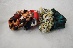 Not your childhood scrunchie (CraftMedley) Tags: print craft textile fabric howto scrunchies hairaccessory