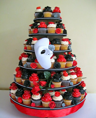 phantom-of-the-opera-cupcake-tower.jpg