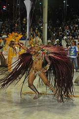 Carnaval 2011-Escola Estácio de Sá - Foto: Adriana Lorete | Riotur (Riotur.Rio) Tags: carnival brazil rio brasil riodejaneiro carnaval verão turismo turistas 2011 kirilos riotur pktures rioturriodejaneiroturismosambasapucaísambódromocarnavalgrupodeacessoapoteoseescolaestáciodesáadrianaloretepedrokirilos