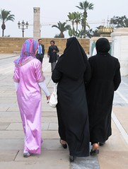 2 Black, 1 Purple (Peter Schnurman) Tags: africa women north morocco
