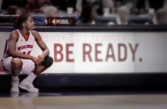 Life: Be Ready [2949] (Badger 23 / jezevec) Tags: college basketball wisconsin women universit universit donne mulheres  mujeres femmes faculdade baloncesto vrouwen frauen hochschule  basketbal pallacanestro    basketbol        koarka  kosrlabda basketbols   saskibaloi   krfuknattleikur  kokov basketbalov bola  lmkhi  cispheil kurvabltur keranjang   krepinis