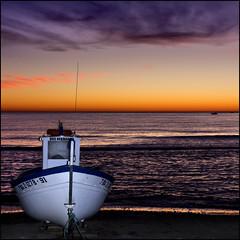 Amaneciendo - Dawning (Pilar Azaa Taln ) Tags: espaa color luz mar andaluca spain europa barcos alba cielo nubes dawning almera amaneciendo lasnegras parquenaturalcabodegatanjar copyrightpilarazaataln