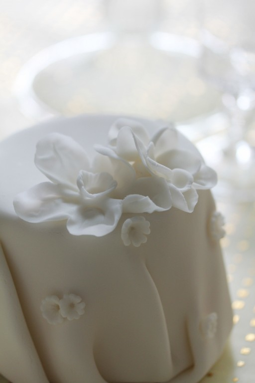 simply elegant little fondant wedding cake