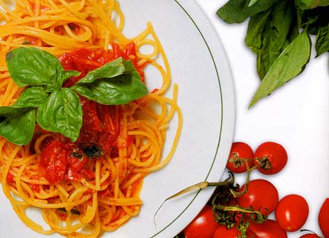 Spaghetti-with-Italian-Meatballs-in-Tomato-Sauce