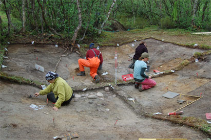 Utgravning av tuft 3, Láksjohka, Tana k 2007, v/studenter og ansatte ved IAR