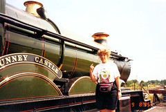 Nunney Castle & Naomi (Mark & Naomi Iliff) Tags: rail steam kettle gwr gws didcotrailwaycentre 5029 nunneycastle