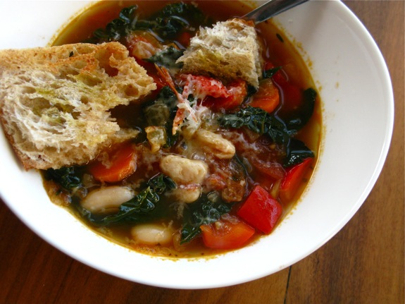 tuscan white bean kale soup 010