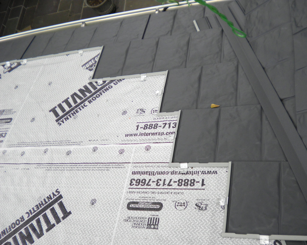 Synthetic underlayment with Hurricane clips