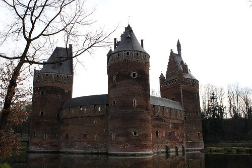 castle with moat close to Brussels