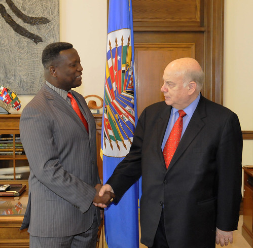 OAS Secretary General Meets with Trinidad and Tobago's Minister of National Security