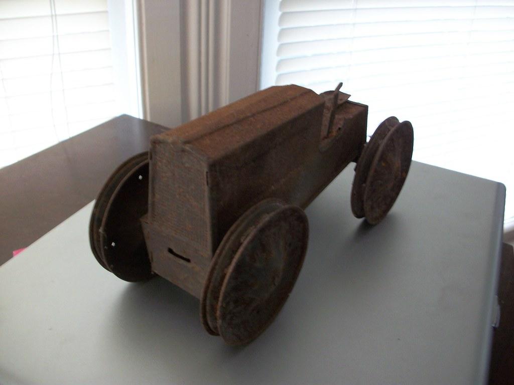 1916 Animate Farm Tractor