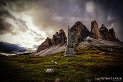 Drei Zinnen Kreuz (fran.fotographix) Tags: kreuz dolomites schroff mystisch wolkenstimmung himmel mountains berge dolomiten dreizinnen felsen mystic stein