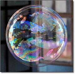 Bolinha de sabão... dublec dublim... (Marina Linhares) Tags: game colors ball cores soap sabão brincadeira bolinha mygearandme dblringexcellence