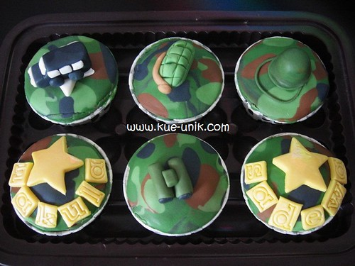 army cupcakes for nakula-sadewa
