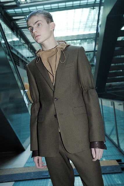 Timothy Kelleher3012_FW11_Paris_Wooyoungmi(Dazed Digital)