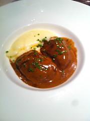 Carrilleras de cerdo ibéricas glaseadas con trufas negras