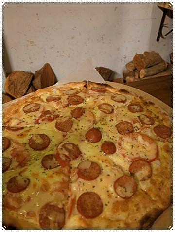 第戎芥茉熱狗披薩