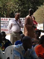 P1010918 (quintas de debate) Tags: de o para forum social da dakar mundial debate bamako caravana frum quintas 2011 novox