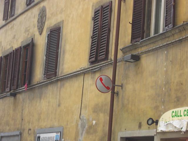 公衆電話の標識のフリー写真素材
