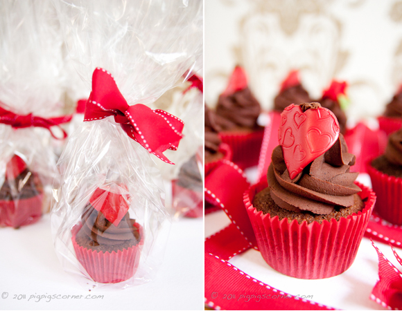 Queen of Cupcakes giveaway 4