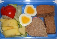 Pausenbrotdose (seelensturm) Tags: hearts heart egg valentine bento lunchbox herz valentinesday ei frhstck valentinstag herzen pausenbrot eggmold seelensturmde eiform