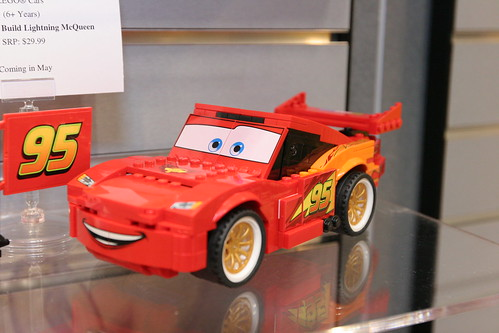 LEGO Toy Fair 2011 - Cars - 8484 Ultimate Build Lightning Mcqueen - 3
