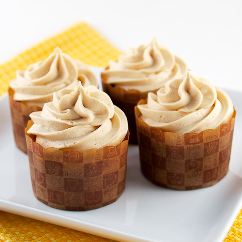 Jam Filled Banana Cupcakes with Peanut Butter Frosting ...
