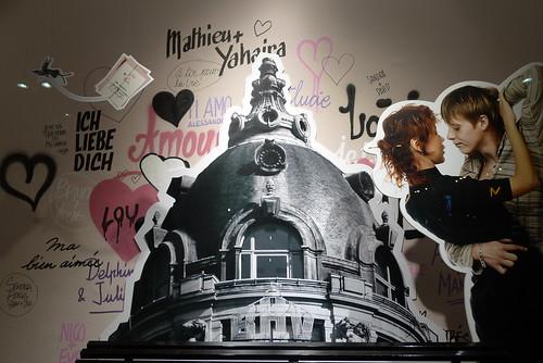 Vitrines du BHV Saint-Valentin - Paris, février 2011