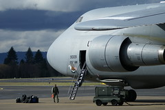 (Eagle Driver Wanted) Tags: aviation portlandairport airforce aero noseart aerospace usairforce airnationalguard airlift groundcrew cargoplane kpdx nyang 9009 69009 105thaw newyourairnationalguard