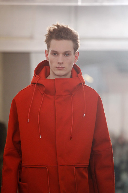 Aiden Andrews3115_FW11_Paris_Raf Simons(VOGUEcom)