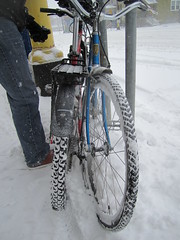 "Feb. 20 storm- 12"" (Low) Tags: snow bike bicycle ross lotus snowstorm minneapolis february mn mixte 2011 winterbike studdedtire alabamans lotusspecial"