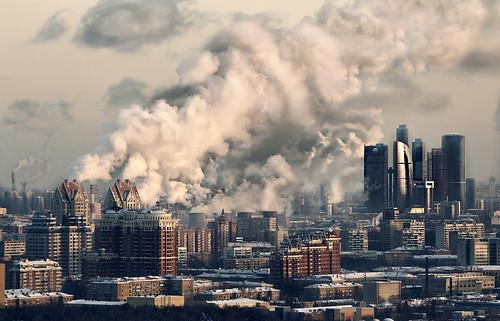 フリー写真素材, 建築・建造物, 都市・街, 工場・産業機械, 高層ビル, 煙突, ロシア, モスクワ,