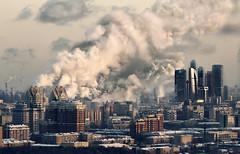 [フリー画像] 建築・建造物, 都市・街, 工場・産業機械, 高層ビル, 煙突, ロシア, モスクワ, 201102241900