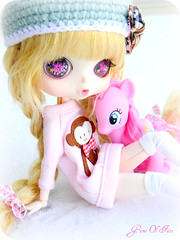 Katie & Pinkie Pie - A Doll A Week 8/52 (Game of Fate) Tags: winter cold doll katie dal littlegirl mylittlepony paulia custompullip taeyang pinkiepie byul milkywayblythe adollaweek byulpaulia custombyul friendshipismagic gameoffate