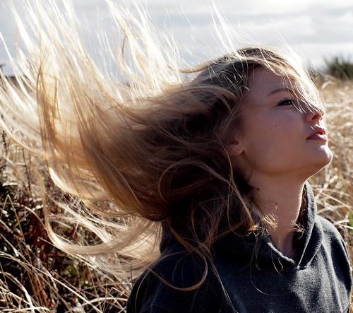 フリー写真素材, 人物, 女性, 髪がなびく, 金髪・ブロンド, アメリカ人,
